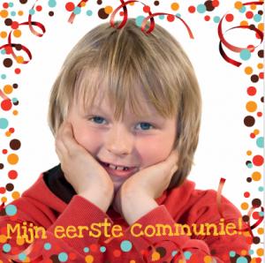 Communie uitnodiging voor een jongen met slingers en confetti